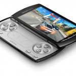 Xperia Play měla mít podle prvních návrhů herní a QWERTY klávesnici zároveň