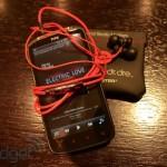 Před prodejnou HTC se již čeká na nový HTC Sensation XE