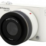 Polaroid představil fotoaparát s výměnnými objektivy a Androidem