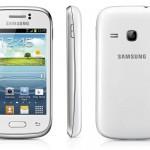 Samsung Galaxy Young je na pultech českých obchodů