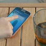 Samsung si v nové reklamě na Galaxy S4 opět dělá legraci z iPhonu