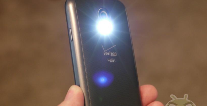 Vychytávka: LED Blesk jako signalizace hovorů, zpráv a oznámení