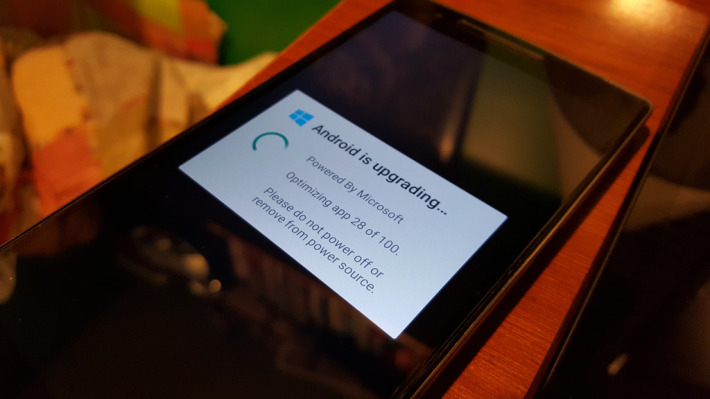 Cyanogenmod-powered-by-Windows
