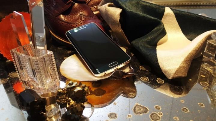 Samsung_Galaxy_S6&S6edge_lifestyle_04_ilustracni