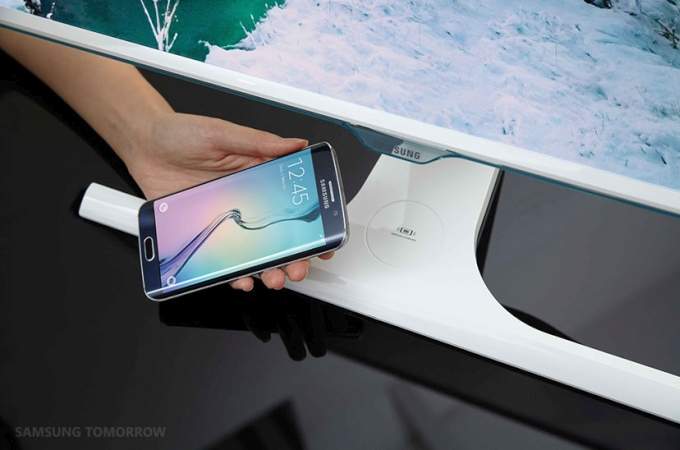galaxy-s6-wireless-charging-monitor