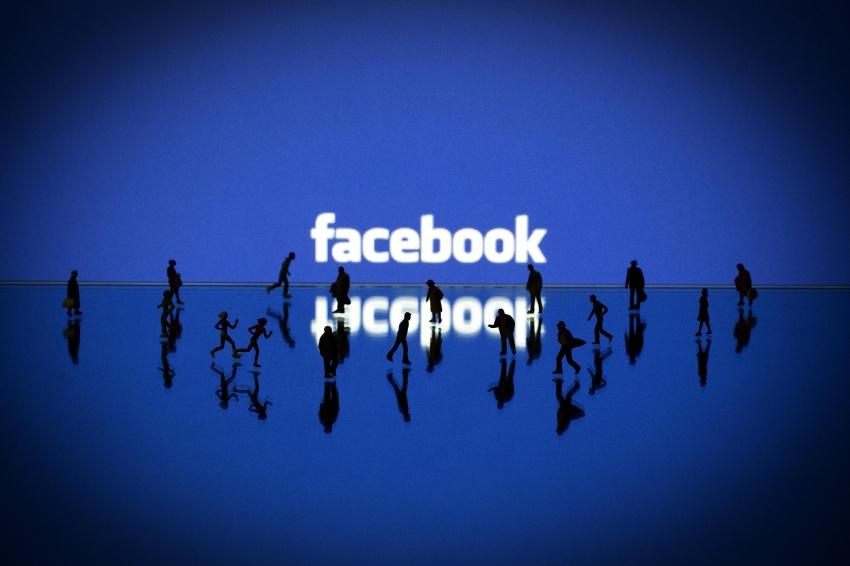 140630-facebook-emoce-1749_4f881e85b96bea3a796ae8d7e0ab44c4