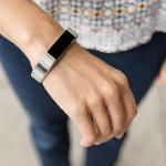 Fitbit Alta je chytrý náramek, který se chce zalíbit.