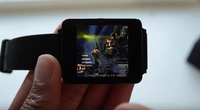 Videoherní legenda Counter Strike 1.6 na chytrých hodinkách