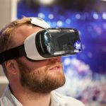 Zařízení pro zobrazení virtuální reality Samsung Gear VR je dostupné v ČR