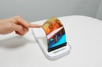 Na skládací smartphone od Samsungu si budeme muset ještě chvíli počkat